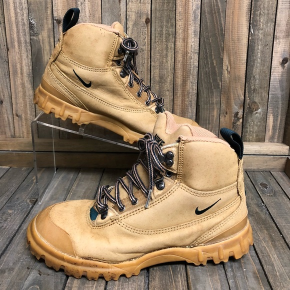 fe1112afb44 RARE Nike Air Vintage 90's Regrind Hiking Boot